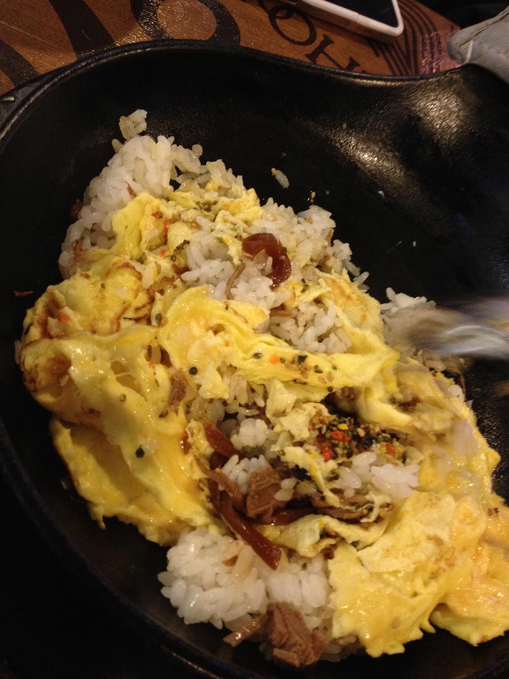 철판장조림버터비빔밥 II(ChulPan JangJoRim Butter Bibimbap) You mixed it all up...