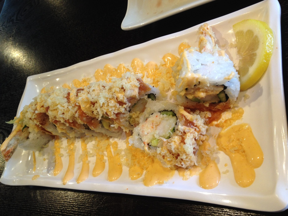 Fastastic Roll - They have a section of specialty rolls which are combinations that are a bit more collaborative of their ingredients. Usually, you either love the combos or you don't. I loved this particular one - shrimp tempura, crab, avocado toped with spicy tuna and tempura flakes with chilli mayo.