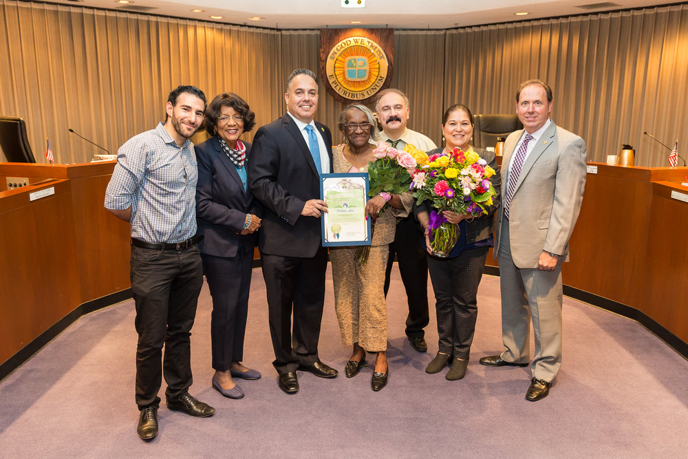 Darlene Love, Mayor Vargas, City Council Members, City Manager and Police Chief