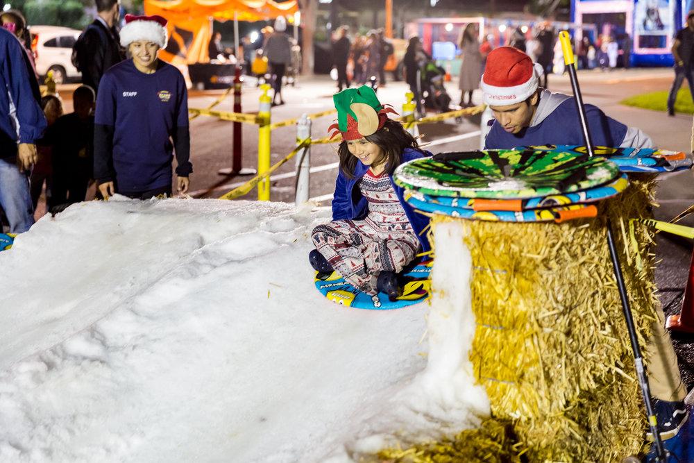 Snow pan slide