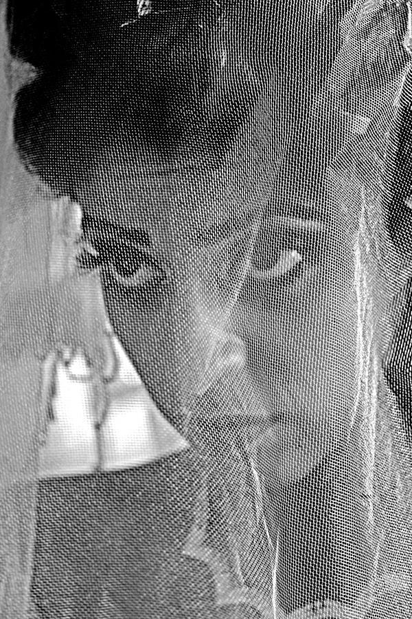 1 Nervous Bride sergileme.jpg