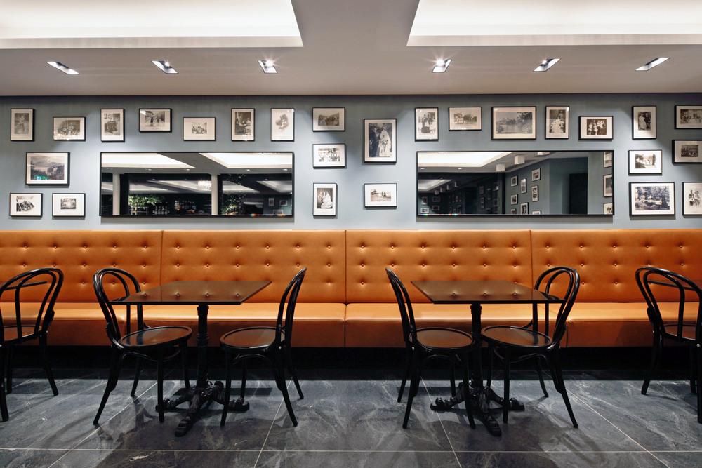Cafe detail nacht.jpg