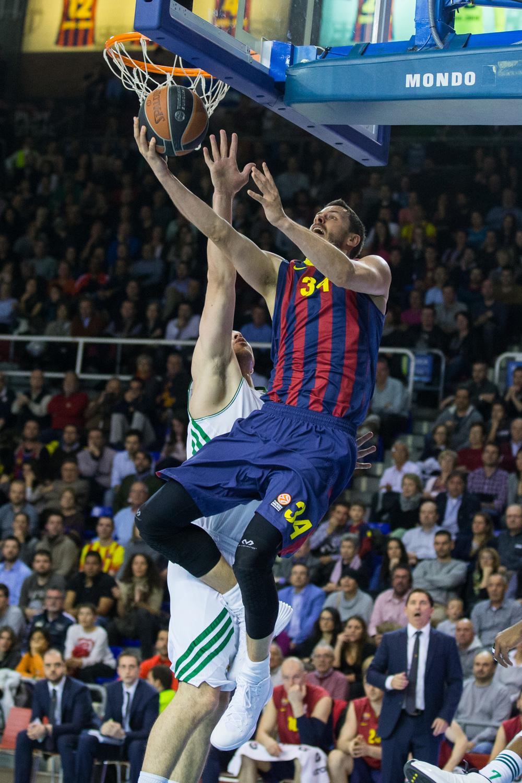 Boki je po dveh tekmah počitka zaigral dobro, vendar Barcelona ni zabeležila zmage.