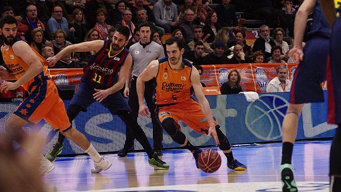 Ribas se je poigraval z Barcelonino obrambo.