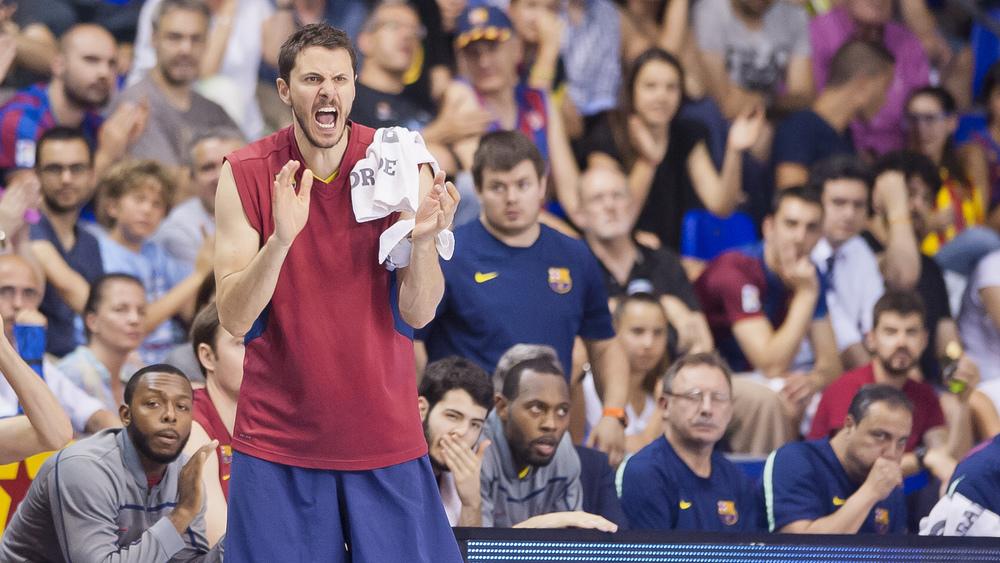 Barcelona siželi hitro uvrstitevv polfinale.