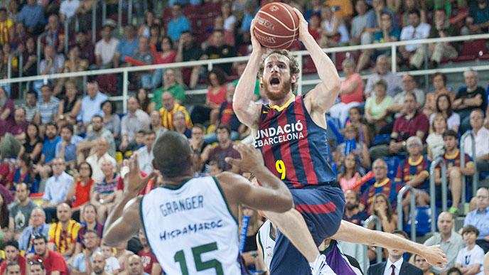 Barceloni za zdaj dobro kaže v polfinalu.