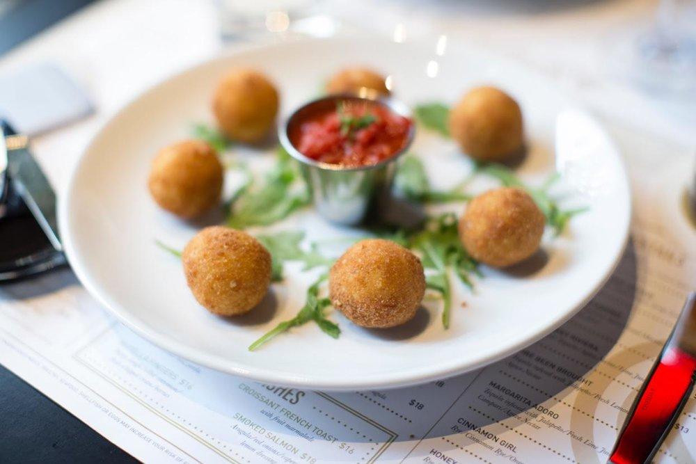 rice balls-AdoroLei.jpg
