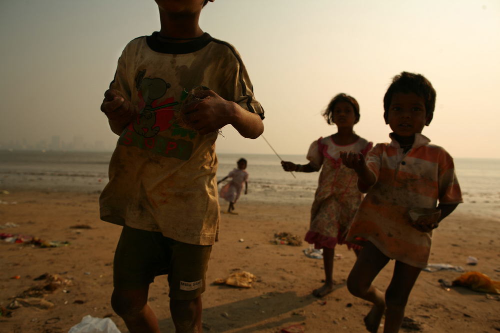 Mumbai Beach Children 2