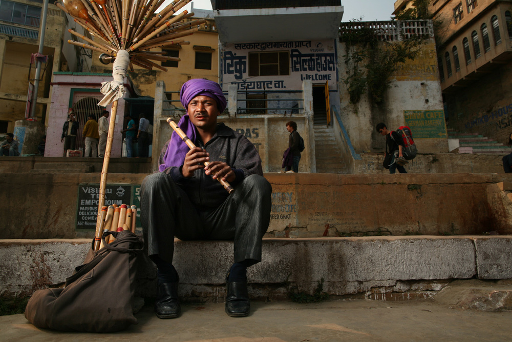 Flute Salesman
