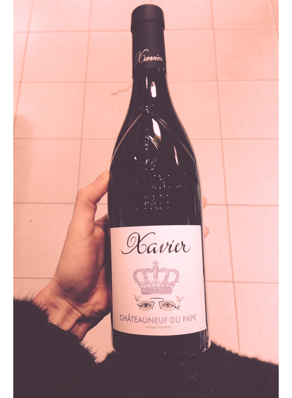 I don´t like red wine, but how pretty is this bottle and label?