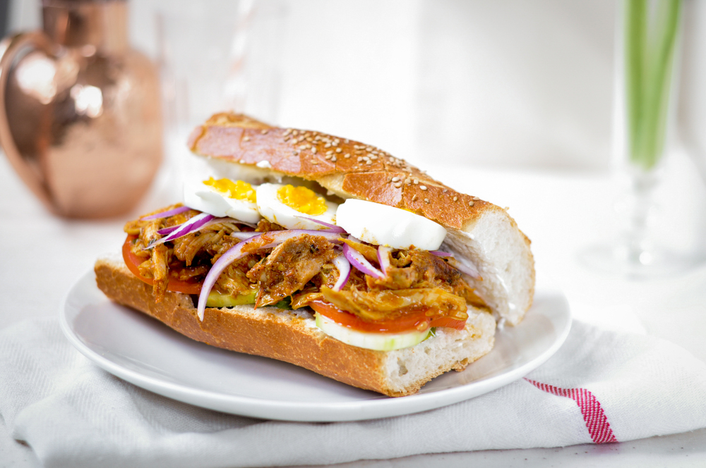 PULLED TANDOORI CHICKEN SANDWICH