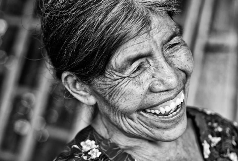 mayan-woman-smiling.jpg