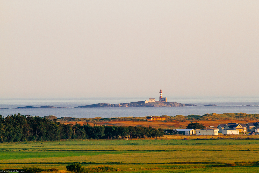 Jæren area, North Sea Road, in souh west Norway. Early morning, 0600 am. Canon 7D + EF 70-200mm IS MK2 at 200mm, ISO 400, f/8, 1/400sec. Hand held.