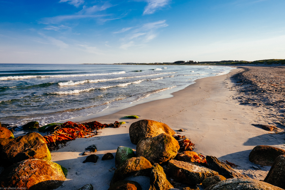 At the beach, Jæren area, North Sea Road. Early morning, 06:40am. Fujifilm X-T1 + XF 14mm F2.8 lens at ISO 200, f/16, 1/60sec.