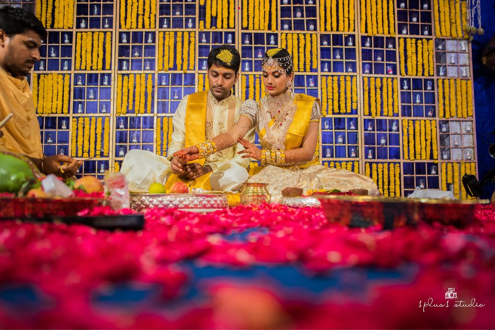 Temple bay Mahabalipuram  Telugu Wedding135.jpg