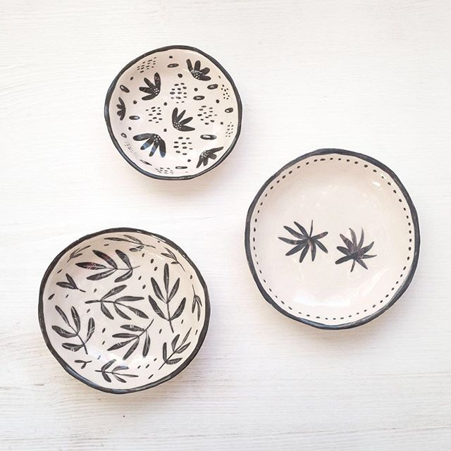This month I have been trying out ceramics and this is what came out of the first batch! So fun to see my illustrations on something else than paper. Do you like them?