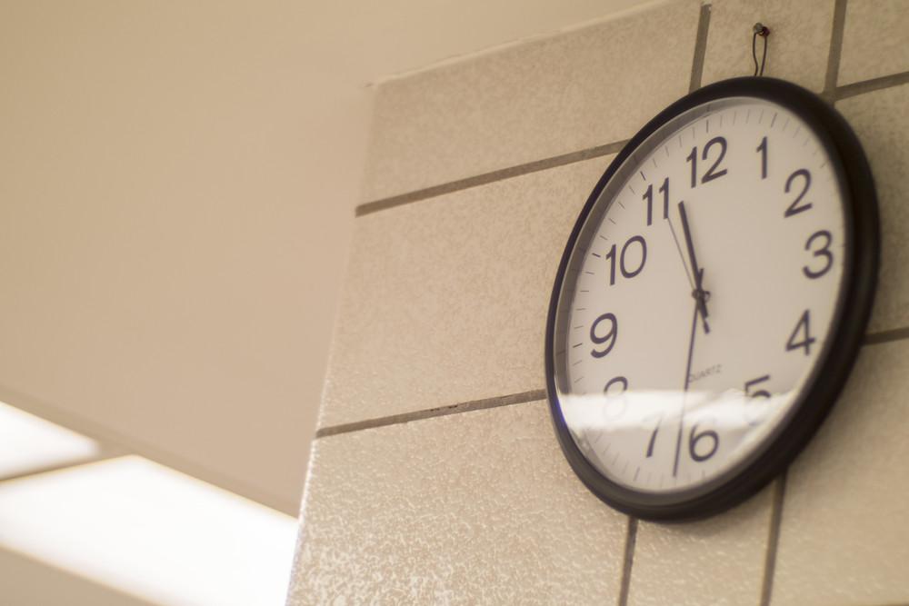Clock_9x6.jpg