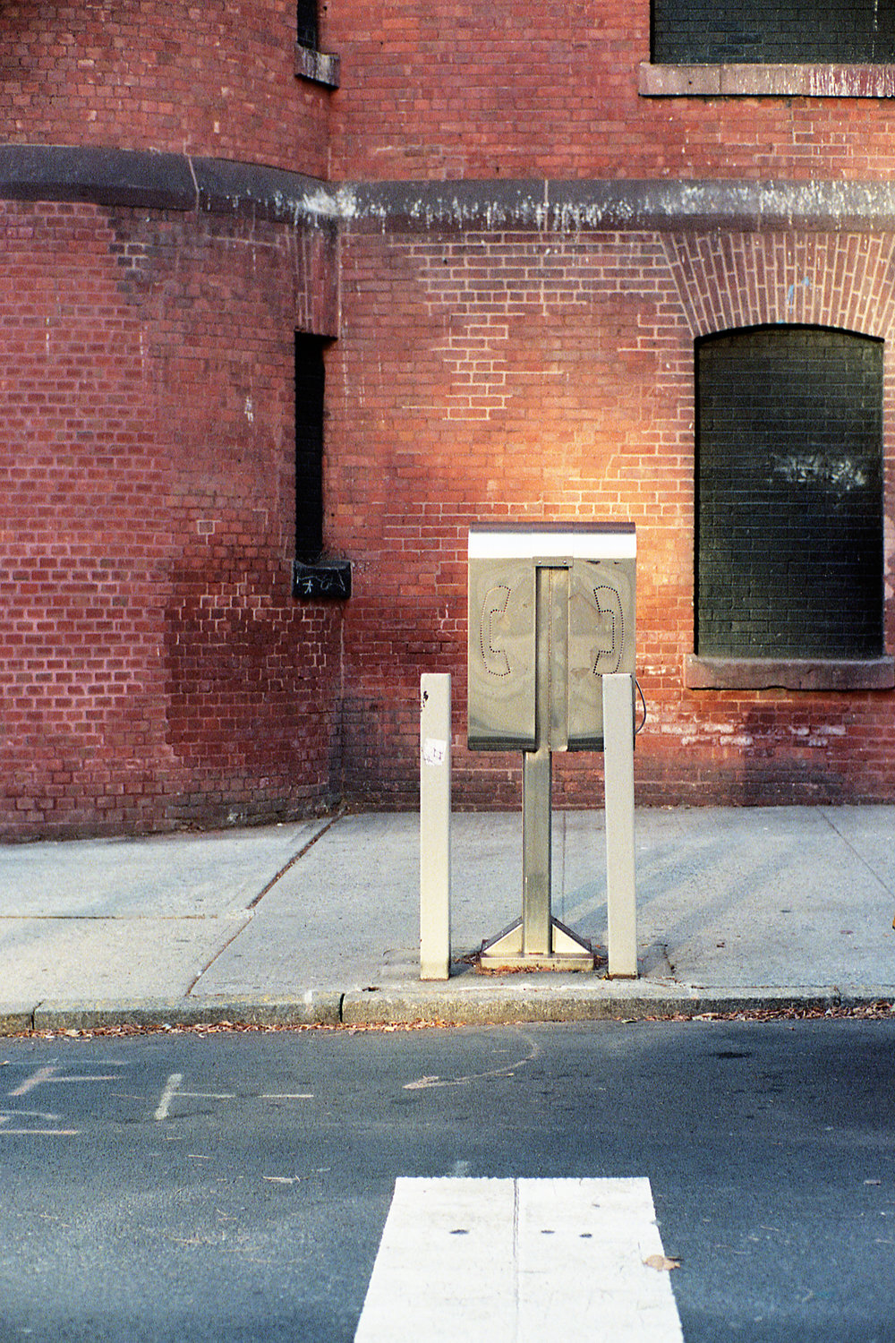 BrickPhoneBooth.jpg
