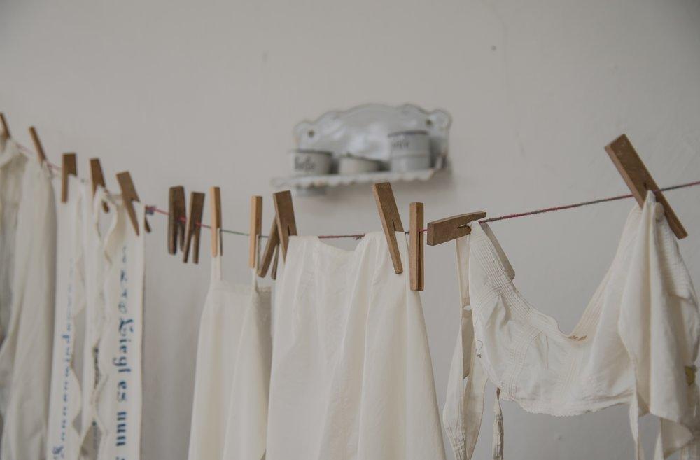 dresses-579998.jpg