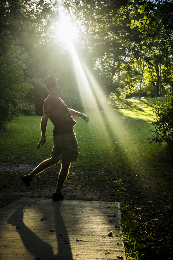 Jesse Playing Disc Golf