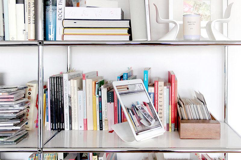 YOHANN_gal-shelf-800.jpg