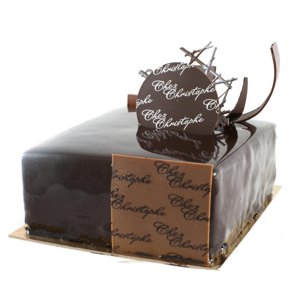 Trio de Chocolat - Dark, milk and white chocolate mousse with chocolate spongeGluten FreeNut FreeAvailable in:4-5 servings $24.956-7 servings $31.4510 serving $44.9520 servings $89.9030 serving $134.70