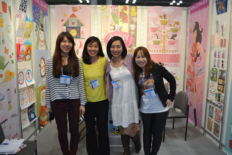 From left to right: Yuhsuan, Susie, Me & Nina. We are ASNY Art Group.