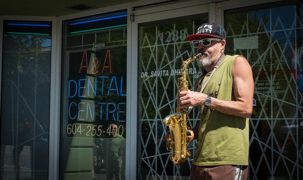 Sax player Commercial Drive, Vancouver Fuji X100T 5.16