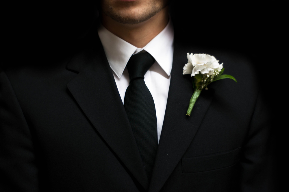 groom-flower2.jpg