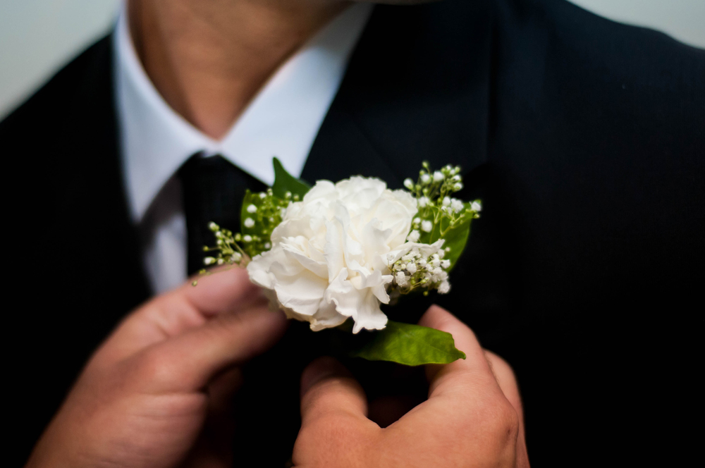 groom-flower1.jpg