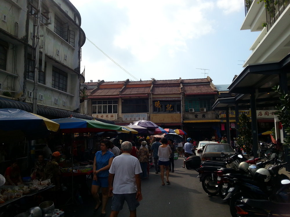 hop penang food tour breakfast market