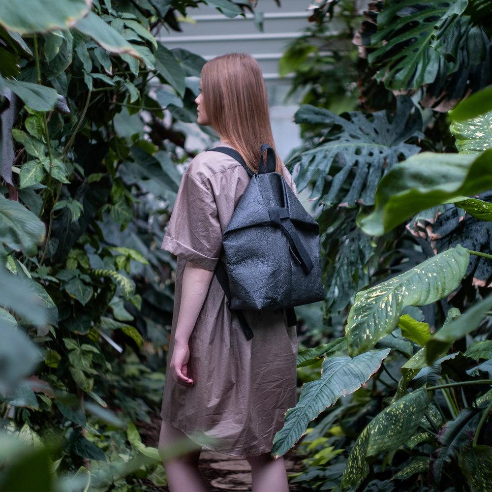 backpack_black_DSC04008_square.jpg