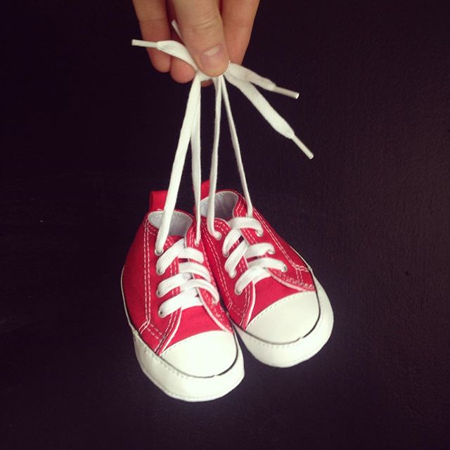 The postman delivered these super cute, tiny chucks this morning…with no note from sender. Hands up who sent them! 🙋🏻