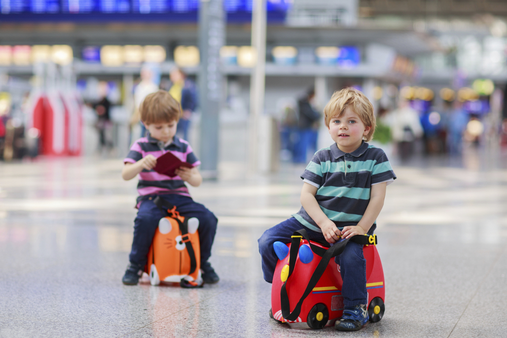 6 secrets for stress-free travel with chidren -