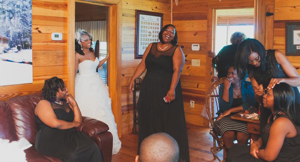The Bells Hidden Acres Wedding Getting Ready Girls-31.jpg