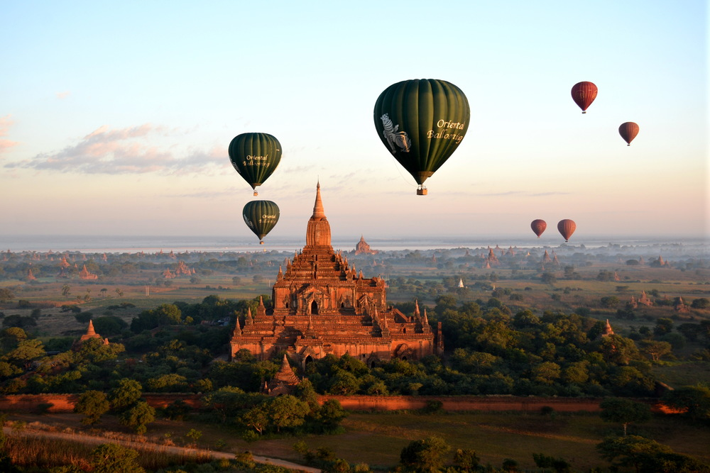 Balloons_over_Bagan_006.JPG