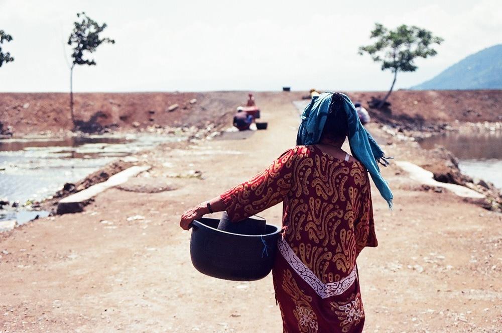 Bajo woman, Pototano Village, West Sumbawa.jpg