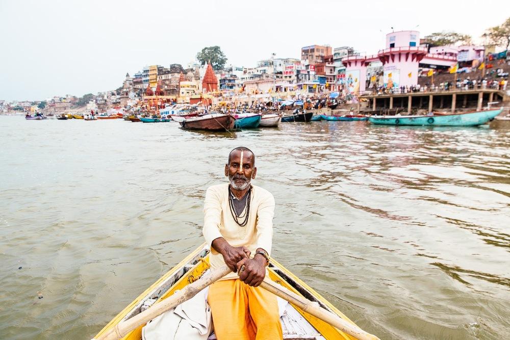 221ca5bede8624a2-varanasi-india-travel-photos-tanveer-badal-6.jpg
