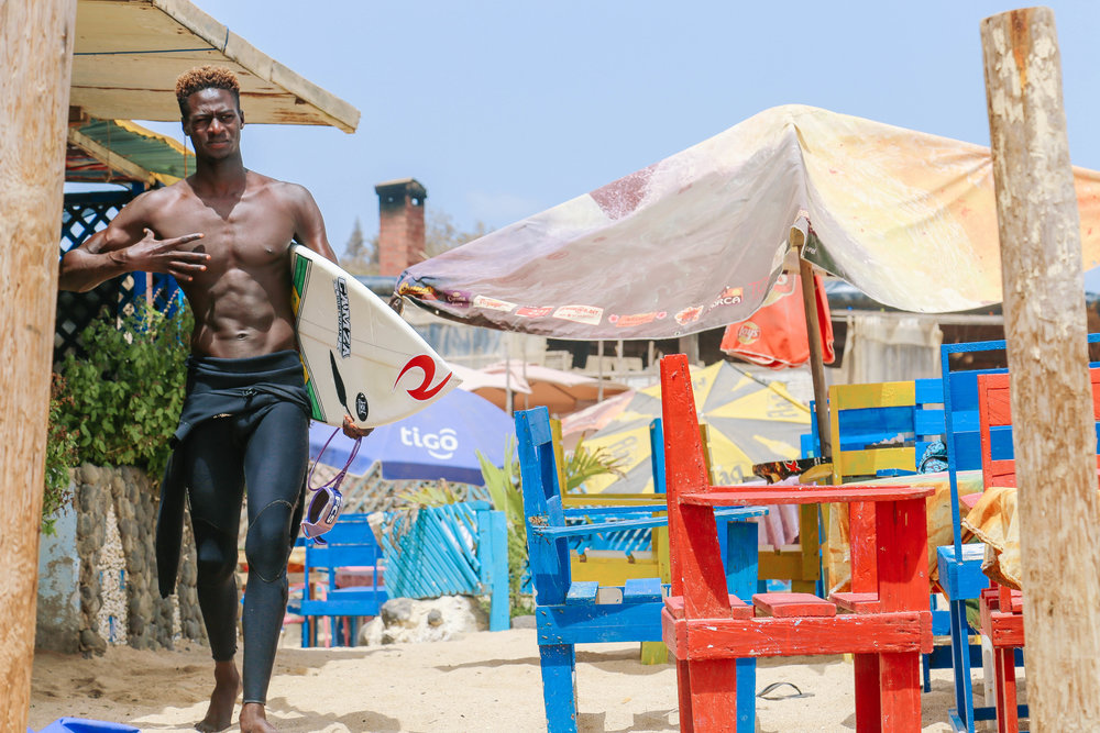 leelitumbe_spiritedpursuit_senegal_dakar_surf-149.jpg