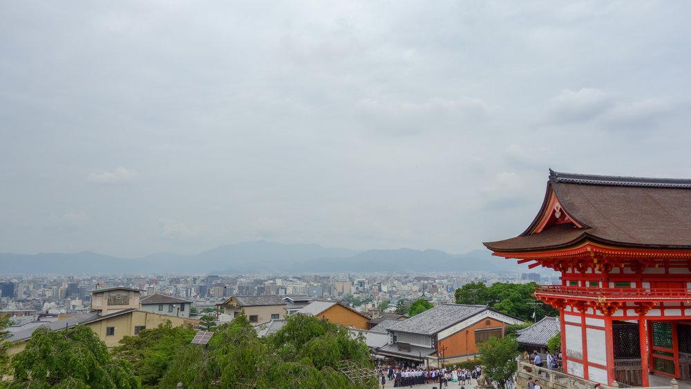 Fushimi-Inari-Shrine-kyoto.jpg