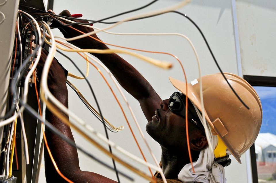 electrician-729240_960_720.jpg