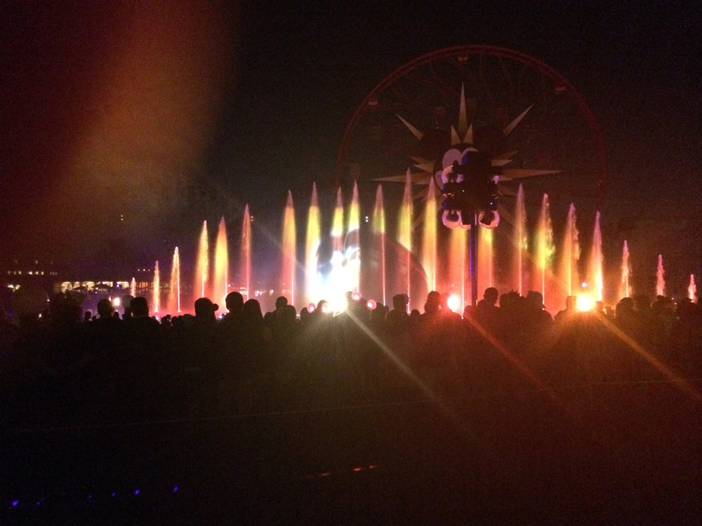 A Lion King Sequence in World of Color