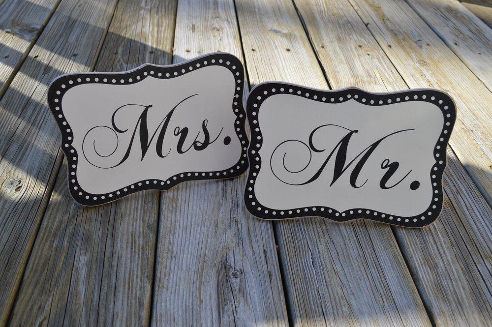 HMB-Mr-and-Mrs-Signs-1.jpg