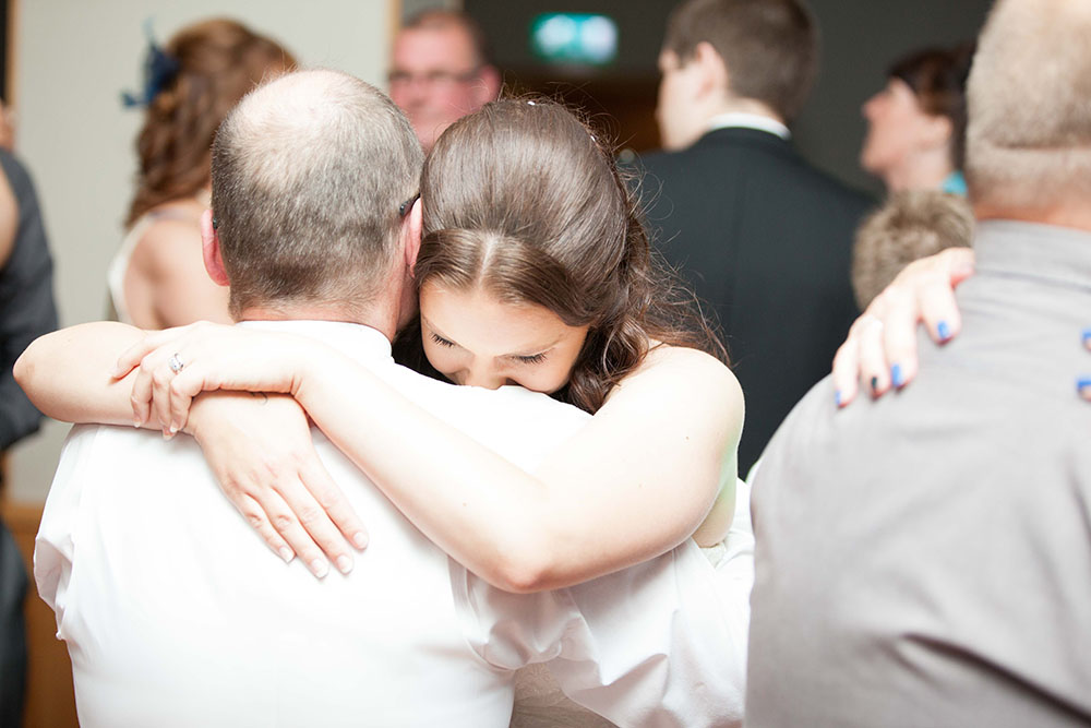 bride-crying-in-her-fathers-arms-during-the-first-dance.jpg