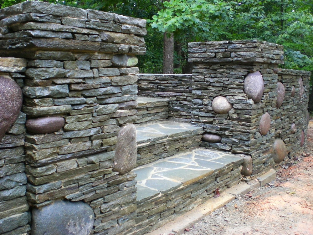 Pa fieldstone and river rock