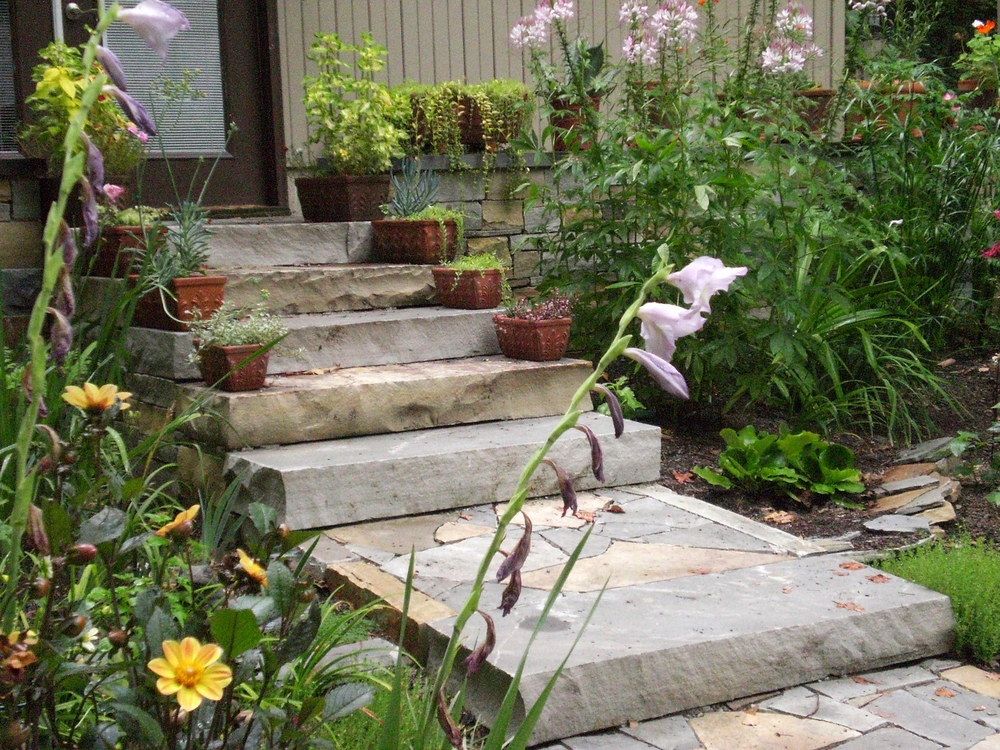 Slab steps with flagstone infill