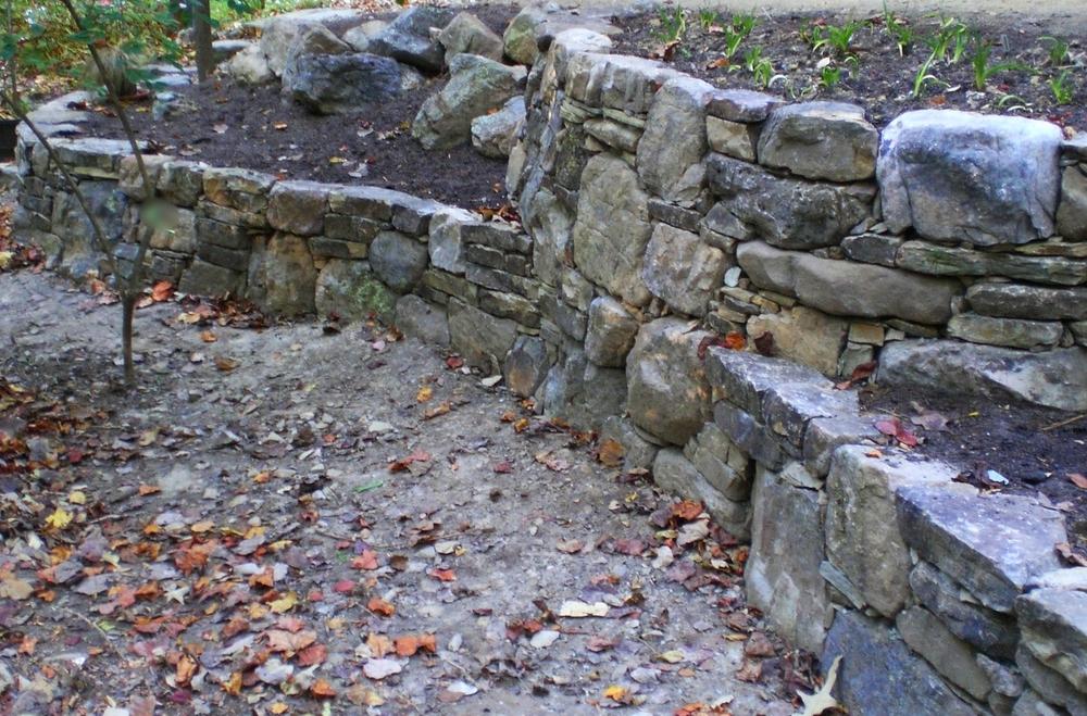 Bishop boulder walls 4 08.jpg
