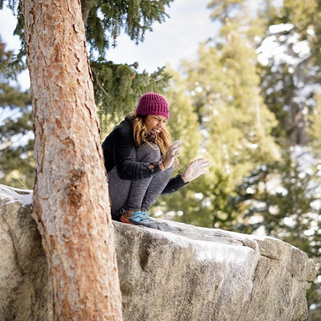 Happy Sunday!!! This is how psyched I am to be heading to Joe's Valley for a few days 😆!!! @evolv_worldwide @organicclimbing @jtreelife @gnarlynutrition @frictionlabs 📸 by @motta_photo #bouldering #roadtrip
