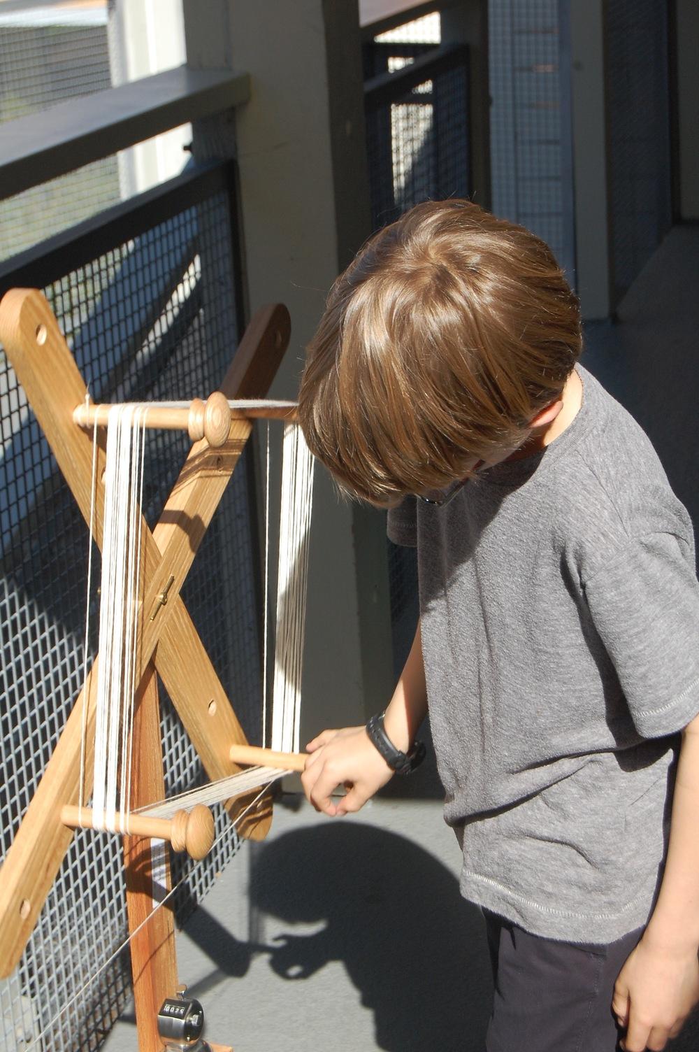 measuring the yarn
