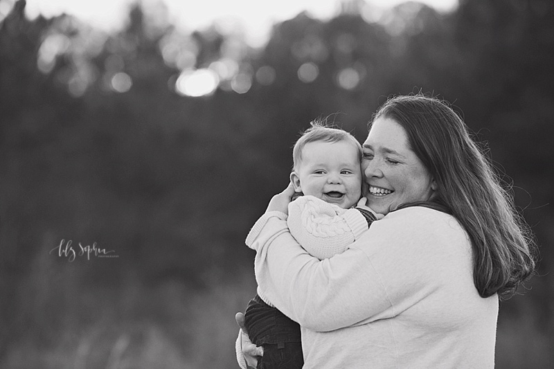 atlanta-outdoor-photography-field-baby-six-months-pictures